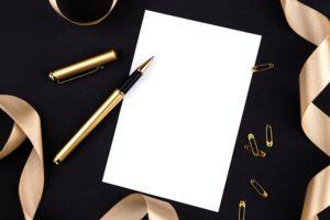 ペンと白い紙